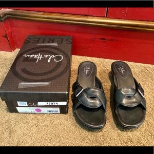 Like new, Cole Haan Black Darby Air Max Slide